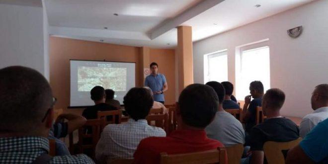 Lovci organizovali predavanje